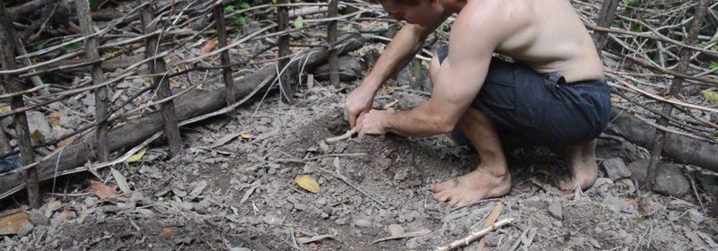Primitive_tech-Planting_cassava2