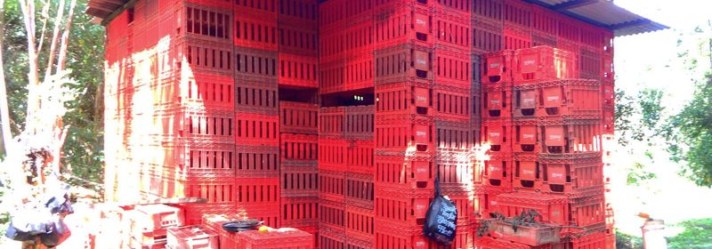 tiny_house_cocoa-cola-crates_3
