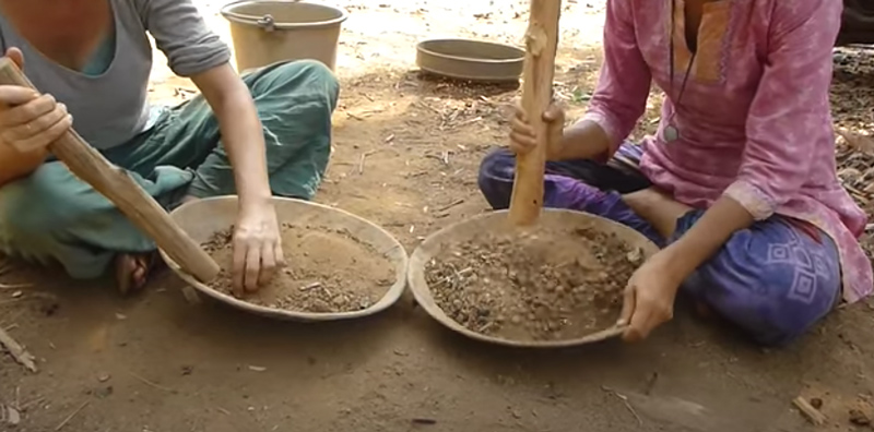 making pottery for terra preta